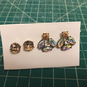 Jewelry - Two pairs of stud earrings!